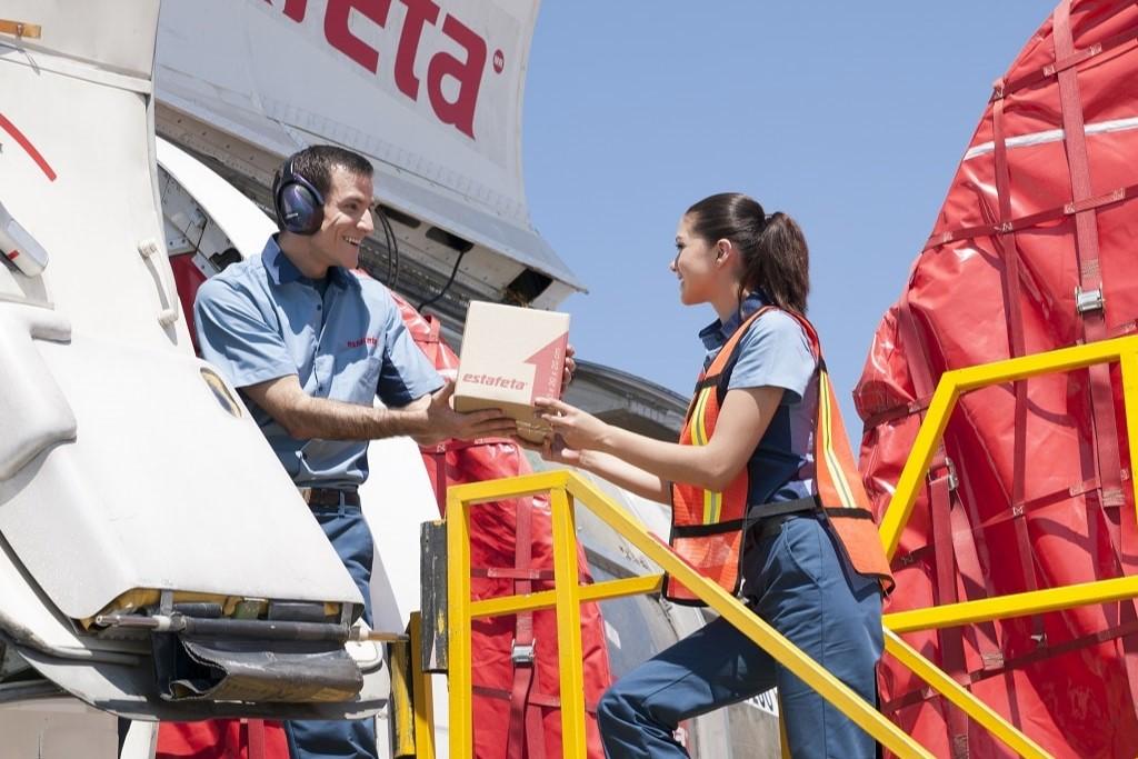 En Estafeta hacemos envíos a México, y más allá